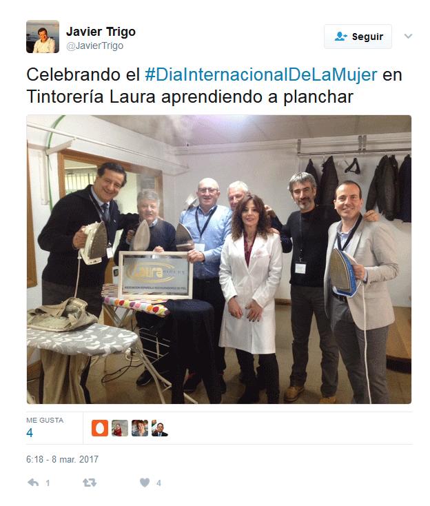 Tweet Javier Trigo planchando en Tintoreria Laura