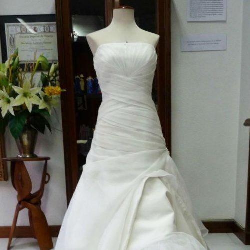 Limpieza de vestido de novia DESPUÉS